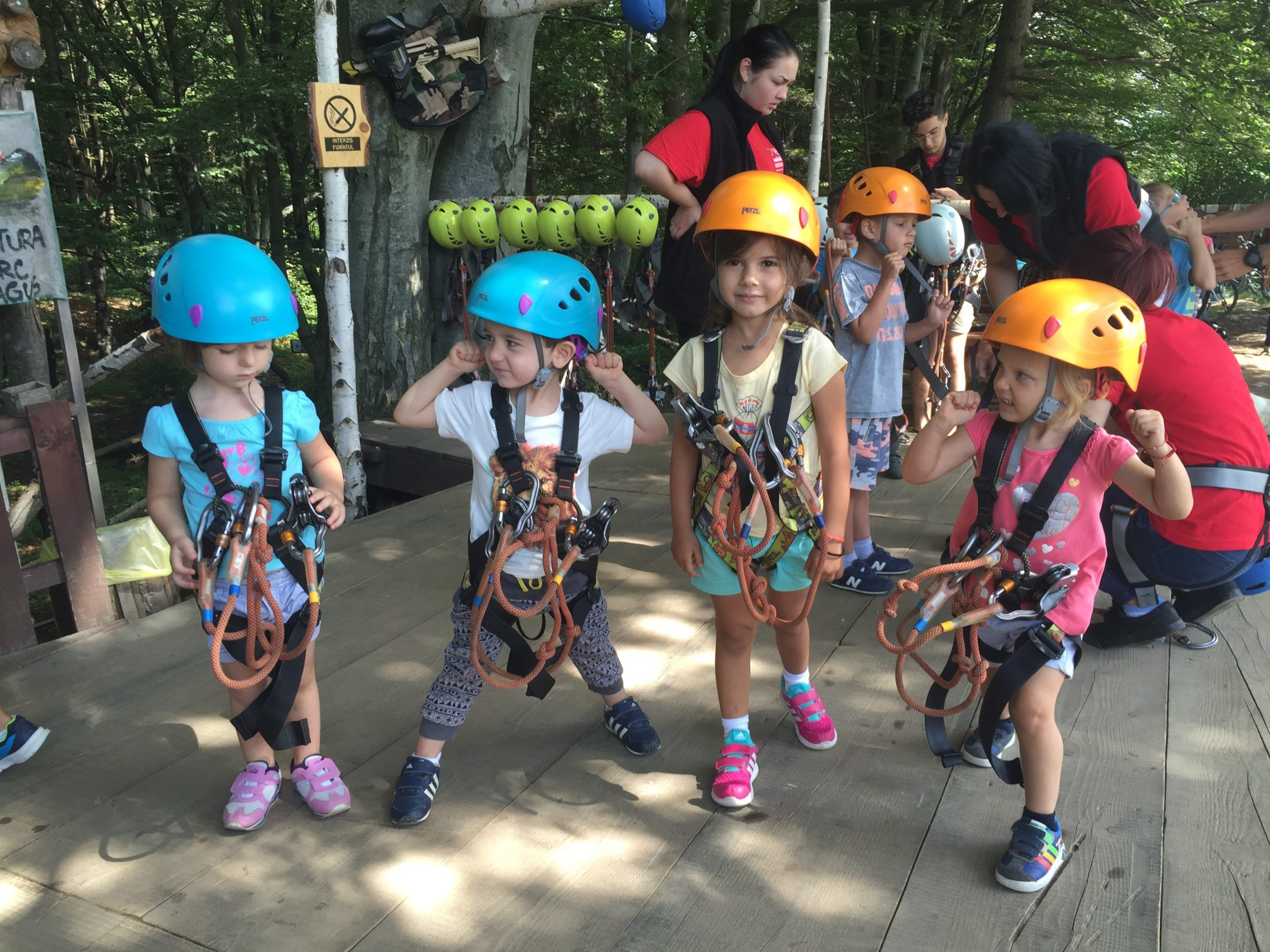 https://camps4kids.ro/wp-content/uploads/2016/10/IMG_8886-scaled.jpg