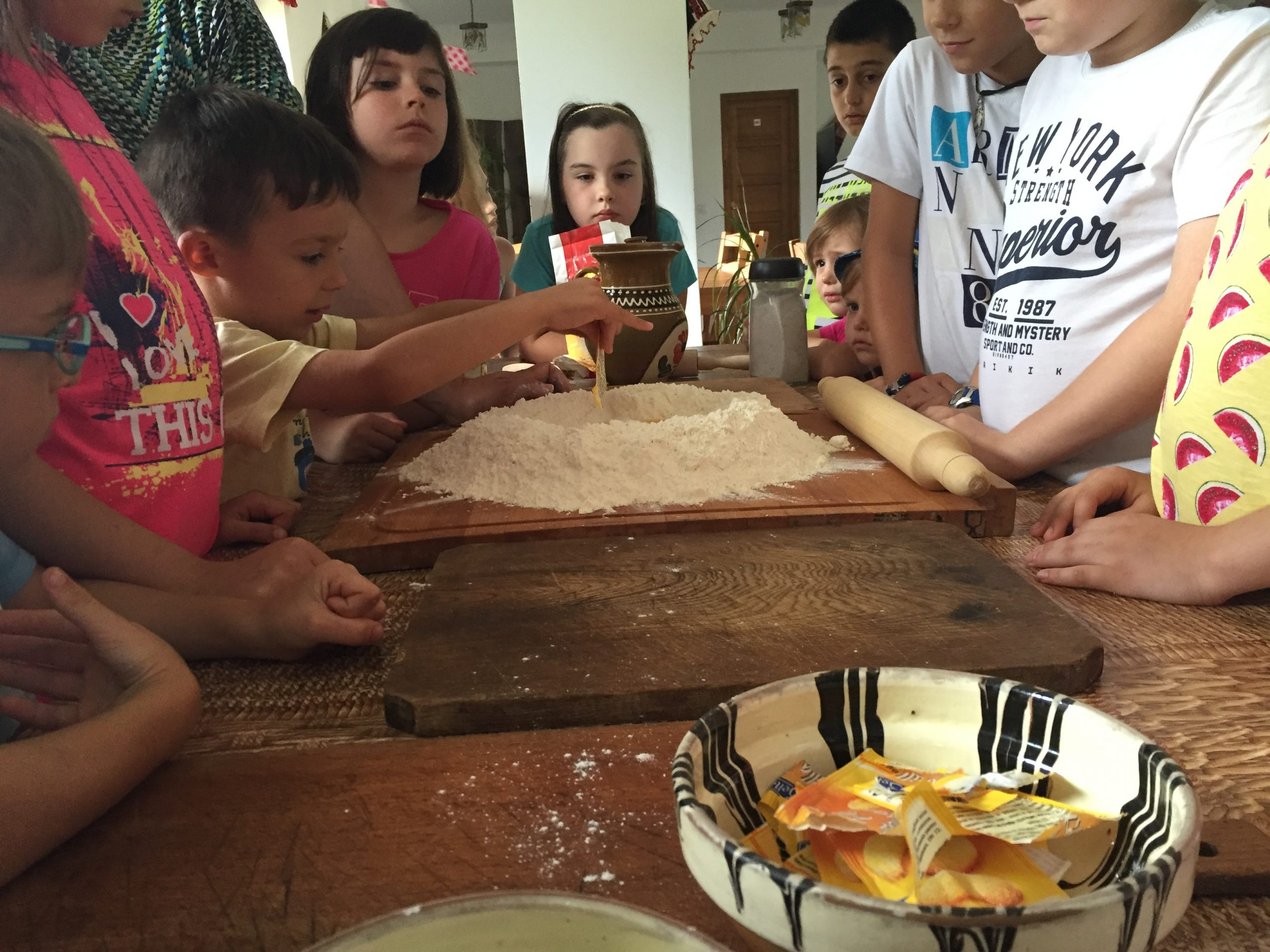 https://camps4kids.ro/wp-content/uploads/2016/10/IMG_9193-scaled.jpg